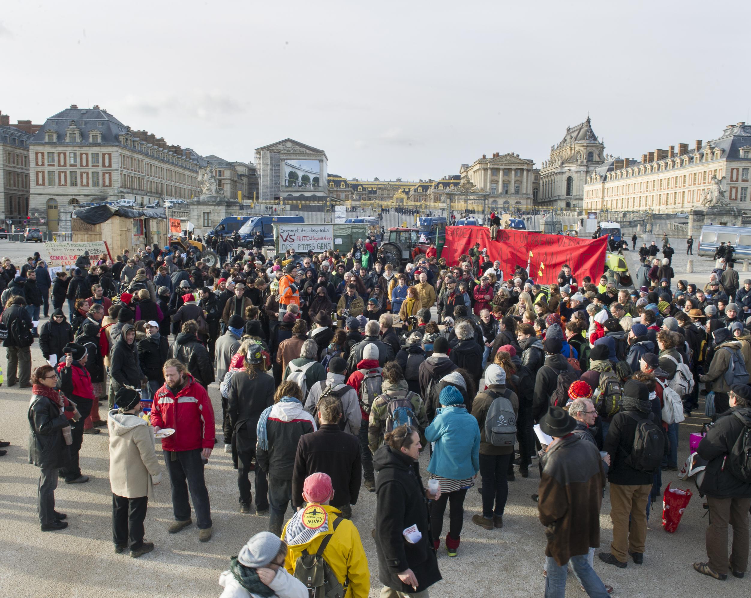 """Tracto vélo """"Cap sur la Cop"""", étape denter Coulomb et Versailles, 28 11 2015."""